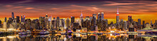 Papier Peint - New York City panorama at sunrise.