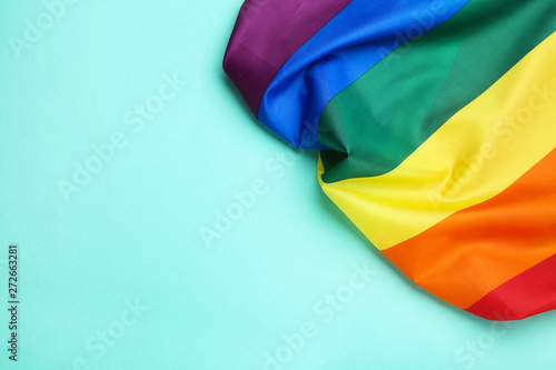 Papier Peint - Rainbow flag on blue background
