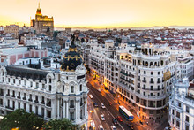 Papier Peint - Panoramic view of Gran Via, Madrid, Spain.