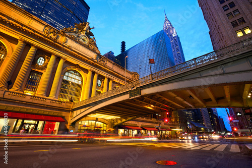 Papier Peint - Grand Central along 42nd Street at dusk, New York City