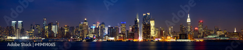 Papier Peint - Manhattan skyline panorama at dusk, New York City