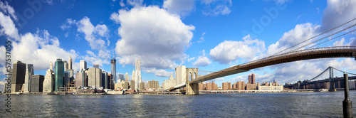 Papier Peint - Manhattan skyline and Brooklyn Bridge, New York