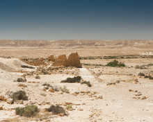 Papier Peint - itzpe Shivta, Israel, desert Negev. Landscape. Desert view. Ruins of ancient city on the spice rout